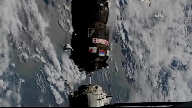 """Tàu vũ trụ Nga xuất sắc phá ký lục """"cập bến"""" trạm ISS chỉ sau 4 giờ phóng lên quỹ đạo - Ảnh 2."""