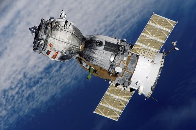"""Tàu vũ trụ Nga xuất sắc phá ký lục """"cập bến"""" trạm ISS chỉ sau 4 giờ phóng lên quỹ đạo - Ảnh 1."""