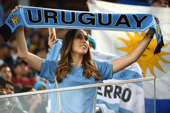 FIFA yêu cầu các nhà đài bớt tập trung vào các cô gái đẹp trên khán đài World Cup 2018 - Ảnh 2.