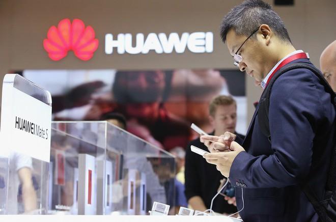 """Huawei khăng khăng không có chuyện """"cài cắm"""" nhân viên đánh cắp bí mật công nghệ từ đối thủ - Ảnh 1."""