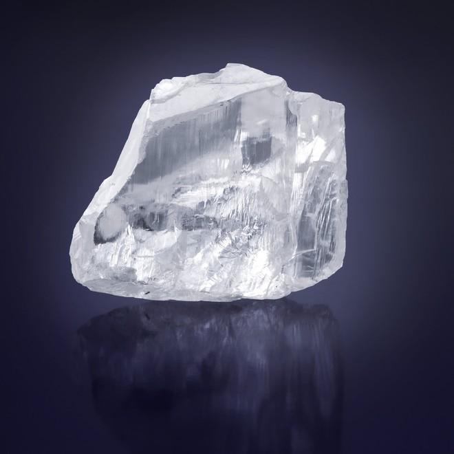 Sâu khoảng 200 km dưới lòng đất, các nhà khoa học ước tính có tới hơn 1 triệu tỉ tấn kim cương đang ngủ yên - Ảnh 2.