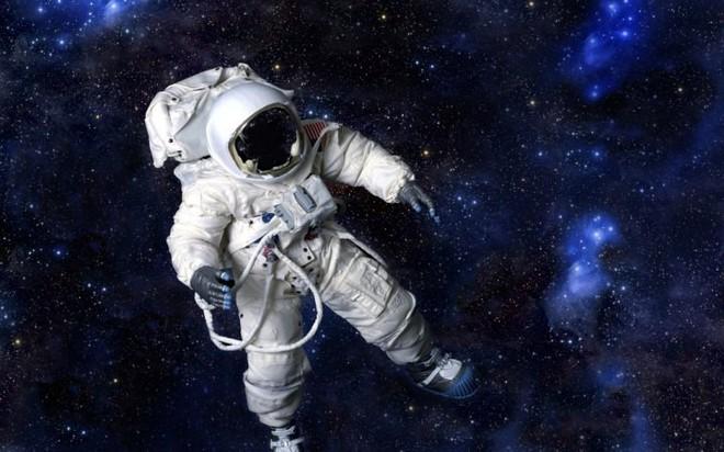 Các nhà khoa học chứng minh rằng có thể tách nước thành oxy và hydro trong vũ trụ, vừa tạo được không khí hô hấp vừa có được nhiên liệu chạy tàu - Ảnh 1.