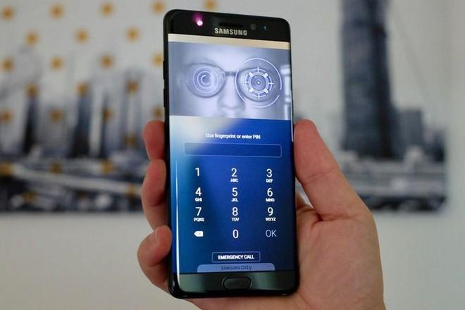 Samsung quyết đối chọi với iPhone giá rẻ bằng cách đưa máy quét mống mắt lên dòng smartphone giá rẻ - Ảnh 2.