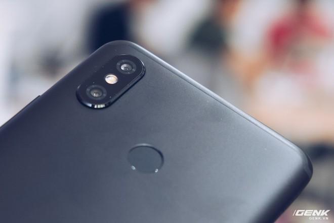 Mở hộp Xiaomi Mi Max 3 mới về VN: Màn hình lớn, pin trâu, giá gần 7 triệu đồng - Ảnh 9.