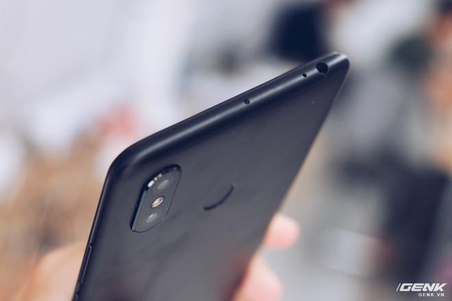 Mở hộp Xiaomi Mi Max 3 mới về VN: Màn hình lớn, pin trâu, giá gần 7 triệu đồng - Ảnh 10.