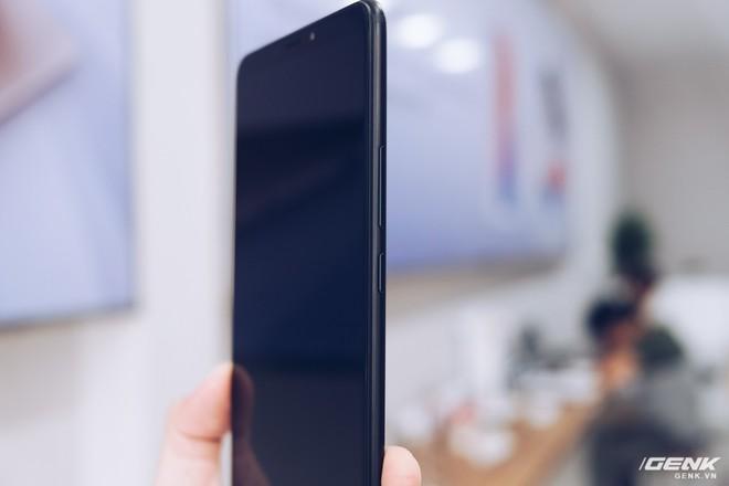 Mở hộp Xiaomi Mi Max 3 mới về VN: Màn hình lớn, pin trâu, giá gần 7 triệu đồng - Ảnh 13.