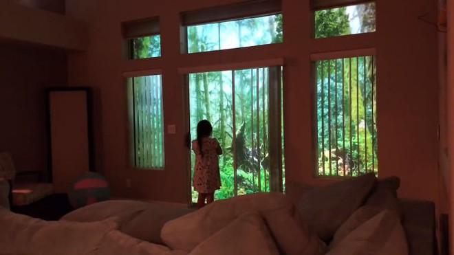 Chỉ bằng máy chiếu, ông bố khiến cô con gái mê khủng long vỡ òa trong thích thú - Ảnh 4.