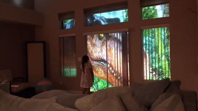 Chỉ bằng máy chiếu, ông bố khiến cô con gái mê khủng long vỡ òa trong thích thú - Ảnh 7.