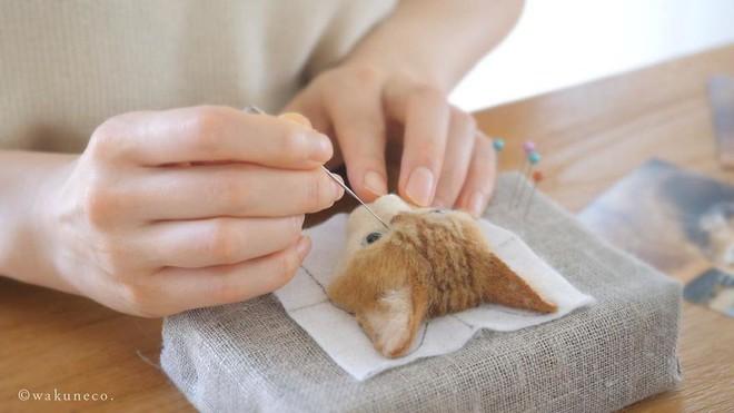 Nghệ sĩ Nhật Bản khiến cư dân mạng trầm trồ vì khả năng tạo hình mèo 3D từ len giống y như mèo thật - Ảnh 2.
