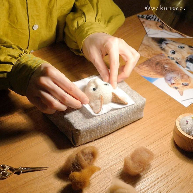 Nghệ sĩ Nhật Bản khiến cư dân mạng trầm trồ vì khả năng tạo hình mèo 3D từ len giống y như mèo thật - Ảnh 1.