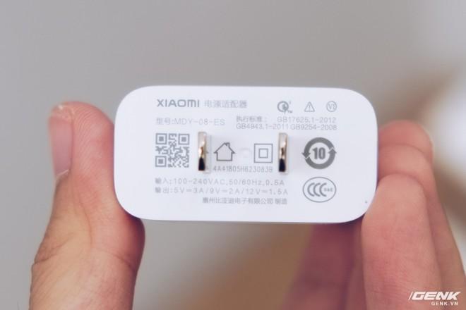 Mở hộp Xiaomi Mi Max 3 mới về VN: Màn hình lớn, pin trâu, giá gần 7 triệu đồng - Ảnh 4.