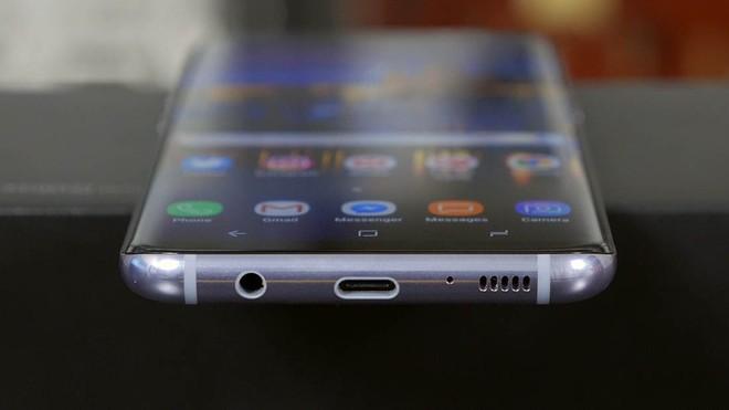 Từ Sony, Pixel đến Bphone: Vì sao smartphone Android nên chuyển hết sang sử dụng tai nghe Bluetooth - Ảnh 4.