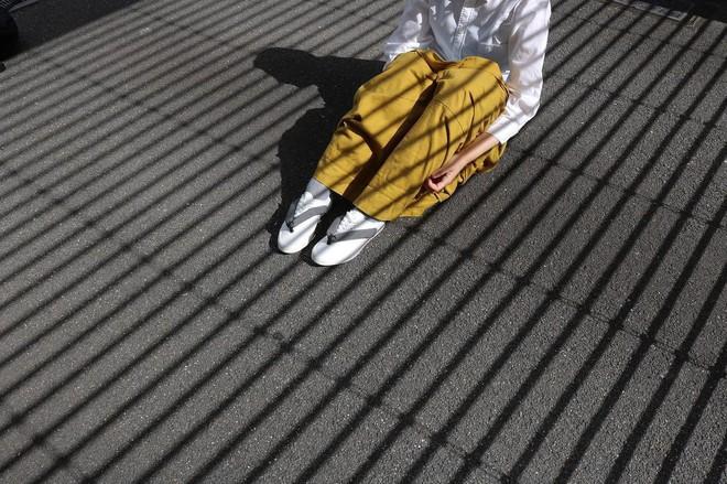 Khi bạn thích đi dép cho thoáng nhưng không thể rời xa sneakers, chắc chắn bạn phải mua mẫu giày này - Ảnh 13.