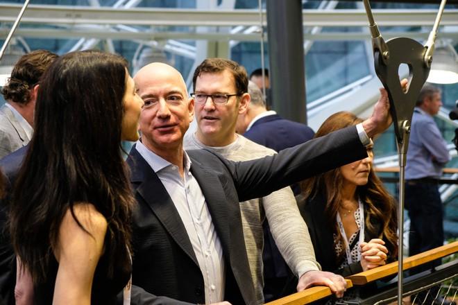 Amazon Q2/2018: Amazon Web Services tiếp tục tăng trưởng mạnh, doanh thu 6,1 tỷ USD, lợi nhuận 1,6 tỷ USD - Ảnh 1.