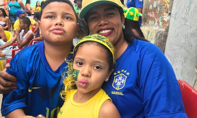 Câu chuyện World Cup: Đằng sau những tuyển thủ Brazil là những bà mẹ đơn thân cả đời tần tảo nuôi con nên người - Ảnh 2.