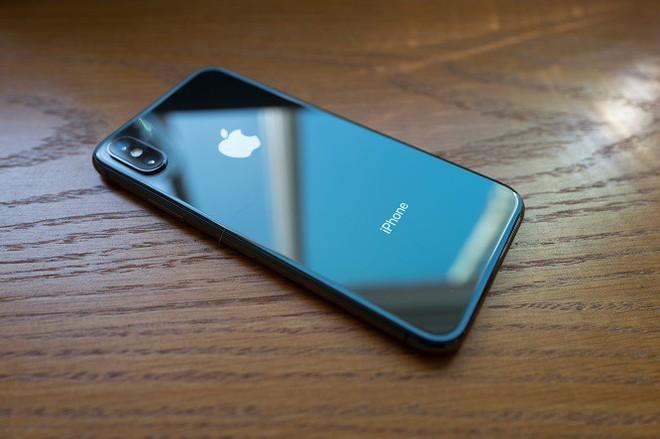 Không chỉ chiến thắng trong cuộc đua nghìn tỷ, Apple sẽ còn bỏ xa Amazon, Microsoft và Google bằng 3 chiếc iPhone X mới - Ảnh 1.