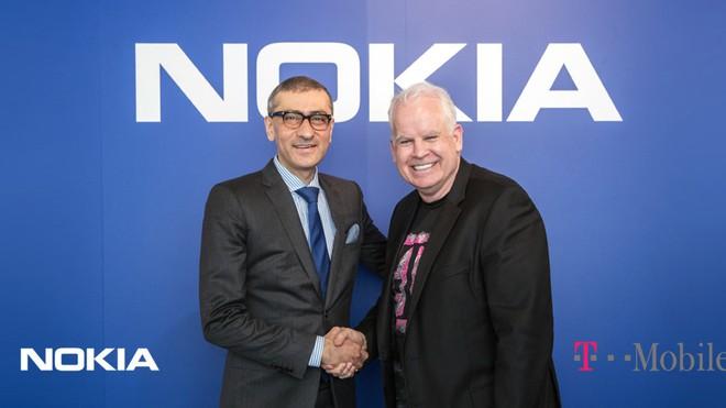 Nokia ký thỏa thuận triển khai mạng 5G lớn nhất từ trước tới nay với T-Mobile, trị giá tới 3,5 tỷ USD - Ảnh 1.