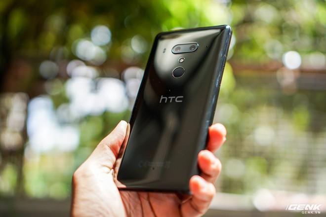 Ảnh thực tế HTC U12 Plus tại Việt Nam: phím bấm cảm biến lực, 4 camera, màn hình tràn viền không tai thỏ - Ảnh 16.