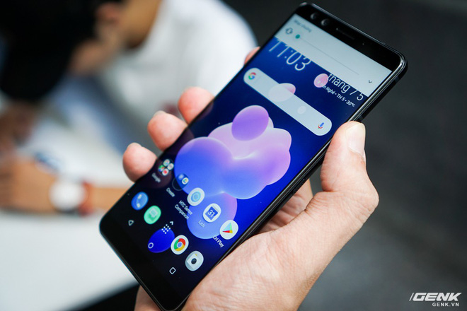 Ảnh thực tế HTC U12 Plus tại Việt Nam: phím bấm cảm biến lực, 4 camera, màn hình tràn viền không tai thỏ - Ảnh 11.