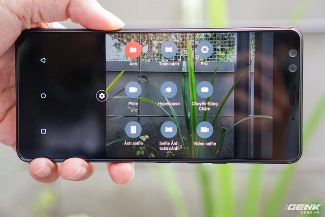 Ảnh thực tế HTC U12 Plus tại Việt Nam: phím bấm cảm biến lực, 4 camera, màn hình tràn viền không tai thỏ - Ảnh 8.