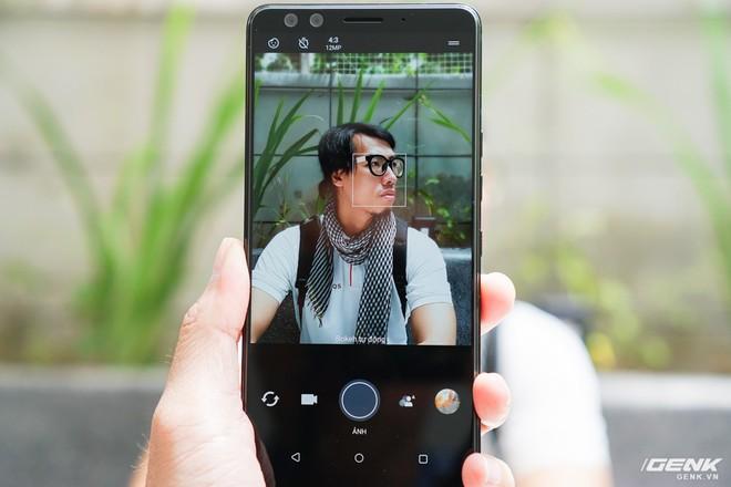 Ảnh thực tế HTC U12 Plus tại Việt Nam: phím bấm cảm biến lực, 4 camera, màn hình tràn viền không tai thỏ - Ảnh 6.