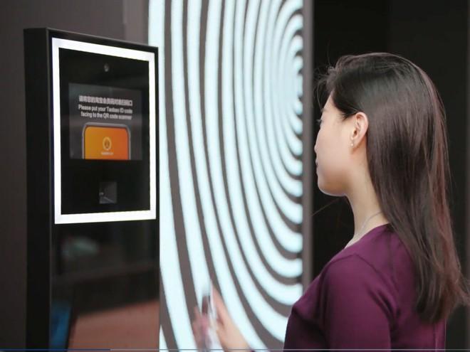 Cùng dạo quanh cửa hàng mới của Alibaba tại Hồng Công: kết hợp trải nghiệm mua sắm online và offline - Ảnh 1.