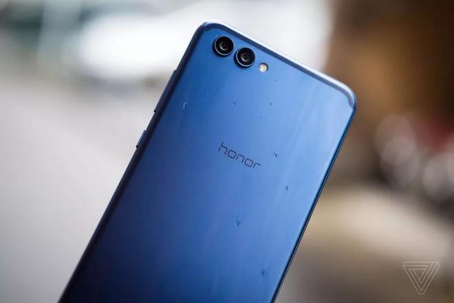 Vượt mặt Apple, Huawei trở thành nhà sản xuất smartphone lớn thứ 2 trên thế giới - Ảnh 2.
