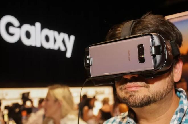Tại sao Samsung ra mắt Galaxy Note9, loa thông minh, Galaxy Watch mà không có kính Gear VR? - Ảnh 1.