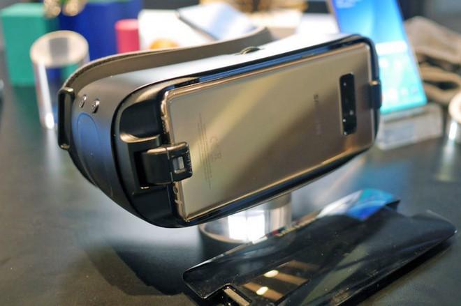 Tại sao Samsung ra mắt Galaxy Note9, loa thông minh, Galaxy Watch mà không có kính Gear VR? - Ảnh 2.