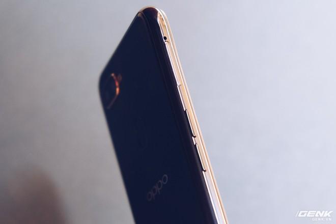 Trên tay Oppo F9 giá 7.69 triệu: Màn hình giọt nước, mặt lưng họa tiết, sạc nhanh VOOC, camera kép - Ảnh 17.