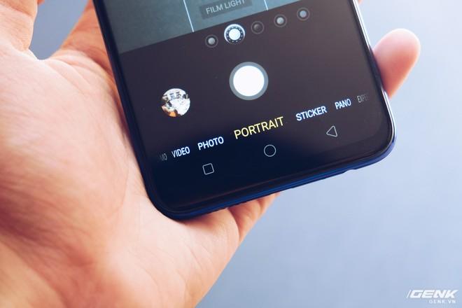 Trên tay Oppo F9 giá 7.69 triệu: Màn hình giọt nước, mặt lưng họa tiết, sạc nhanh VOOC, camera kép - Ảnh 12.