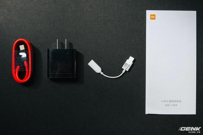 Đây là Xiaomi Mi 8 EE giá 19 triệu tại VN: Mặt lưng trong suốt, vân tay trong màn hình, quét khuôn mặt 3D - Ảnh 6.