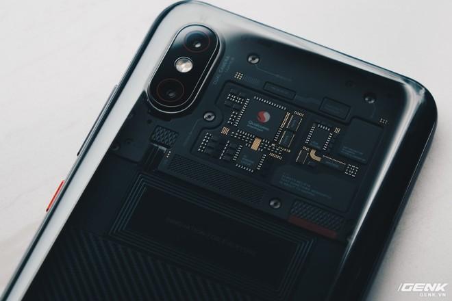 Đây là Xiaomi Mi 8 EE giá 19 triệu tại VN: Mặt lưng trong suốt, vân tay trong màn hình, quét khuôn mặt 3D - Ảnh 11.