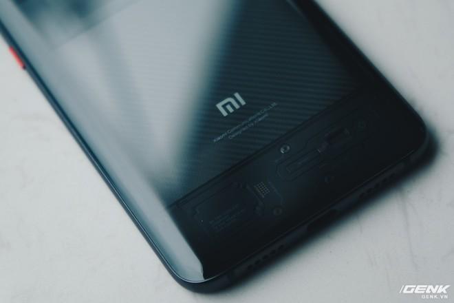 Đây là Xiaomi Mi 8 EE giá 19 triệu tại VN: Mặt lưng trong suốt, vân tay trong màn hình, quét khuôn mặt 3D - Ảnh 15.