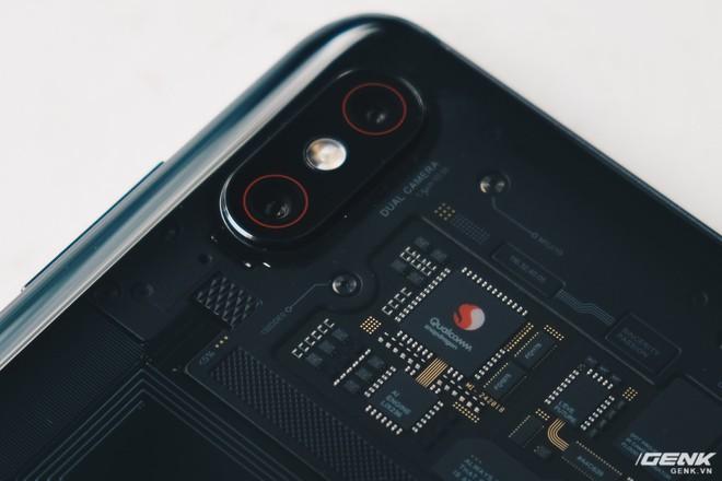Đây là Xiaomi Mi 8 EE giá 19 triệu tại VN: Mặt lưng trong suốt, vân tay trong màn hình, quét khuôn mặt 3D - Ảnh 18.