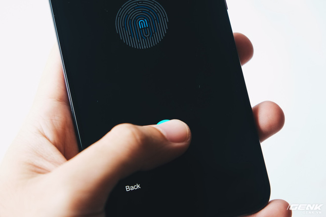 Trải nghiệm cảm biến vân tay trong màn hình & nhận dạng khuôn mặt 3D trên Xiaomi Mi 8 EE - Ảnh 2.