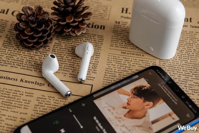 """Có điều kiện thì mua Apple AirPods, còn con nhà nghèo dùng chiếc tai nghe """"nhái bén"""" này được không? - Ảnh 15."""