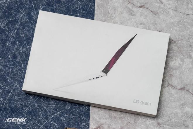 Đập hộp máy tính xách tay LG Gram 2018 - Mạnh mẽ nhưng nhẹ như lông hồng - Ảnh 2.
