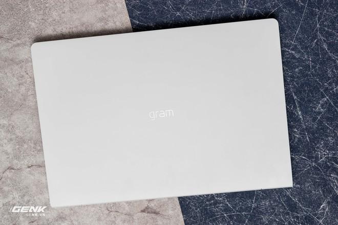 Đập hộp máy tính xách tay LG Gram 2018 - Mạnh mẽ nhưng nhẹ như lông hồng - Ảnh 6.