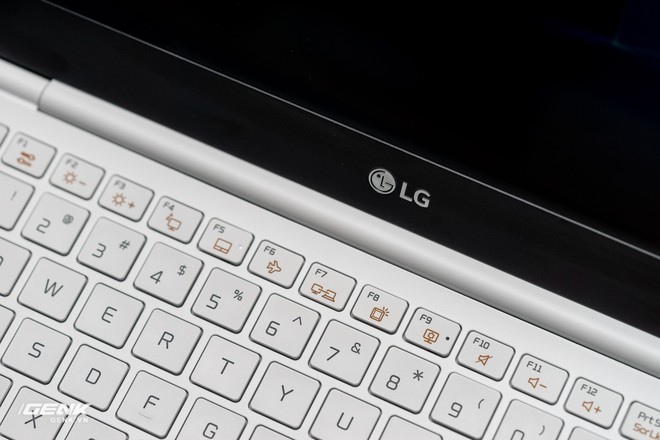 Đập hộp máy tính xách tay LG Gram 2018 - Mạnh mẽ nhưng nhẹ như lông hồng - Ảnh 9.