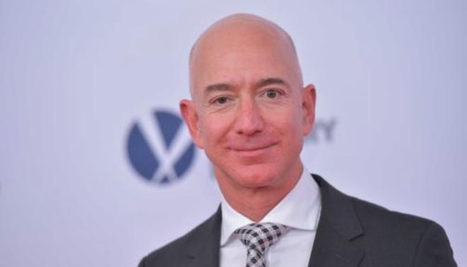 Cổ phiếu của các rạp phim sụt giảm sau khi có báo cáo Amazon sắp sửa càn quét ngành công nghiệp của họ - Ảnh 1.
