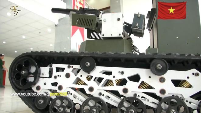 Cận cảnh robot chiến đấu tự hành Made in Việt Nam: không sợ thời tiết khắc nghiệt, tự động sử dụng vũ khí tiêu diệt mục tiêu - Ảnh 6.