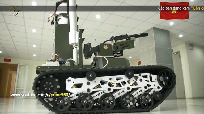 Cận cảnh robot chiến đấu tự hành Made in Việt Nam: không sợ thời tiết khắc nghiệt, tự động sử dụng vũ khí tiêu diệt mục tiêu - Ảnh 2.