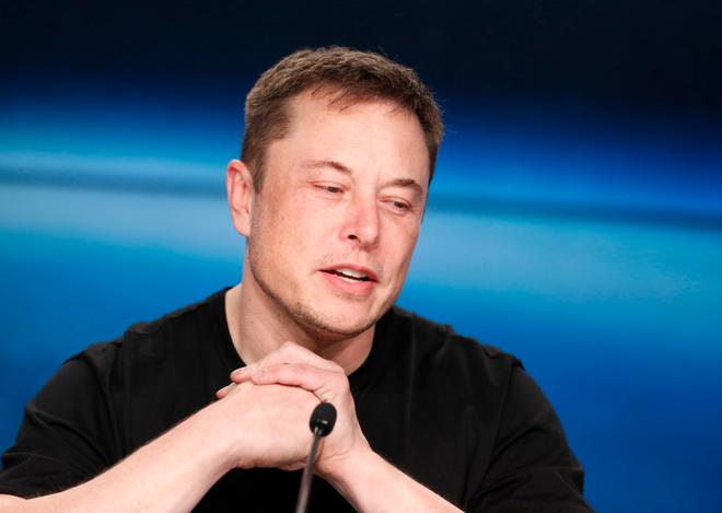 Elon Musk: Đây là năm khó khăn và đau đớn nhất trong sự nghiệp của tôi - Ảnh 1.