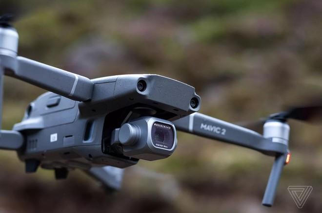 DJI ra mắt bộ đôi drone Mavic 2 mới, Mavic 2 Pro giá $1.449 và Mavic 2 Zoom giá $1.249 - Ảnh 1.