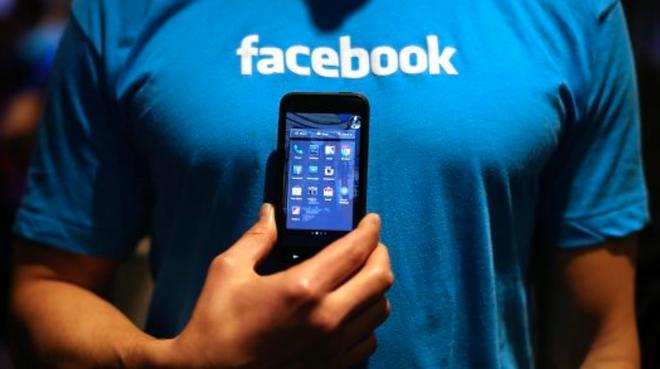 Người dùng Facebook không quan tâm đến lùm xùm rò rỉ dữ liệu hay tin tức giả mạo đâu, hãy mua cổ phiếu khi nó đang thấp - Ảnh 1.