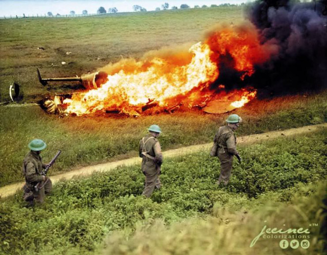 Ngỡ ngàng trước những bức ảnh lịch sử Thế chiến thứ 2 đã được phục chế và tô màu - Ảnh 9.