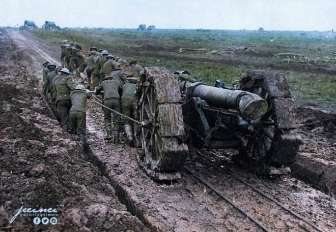 Ngỡ ngàng trước những bức ảnh lịch sử Thế chiến thứ 2 đã được phục chế và tô màu - Ảnh 10.