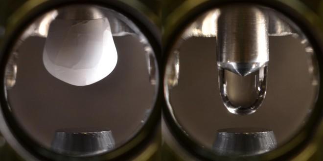 Nhỏ giọt nước sạch nhất thế giới lên bề mặt hợp chất sạch nhất thế giới để xem nó có bị bẩn hay không - Ảnh 1.