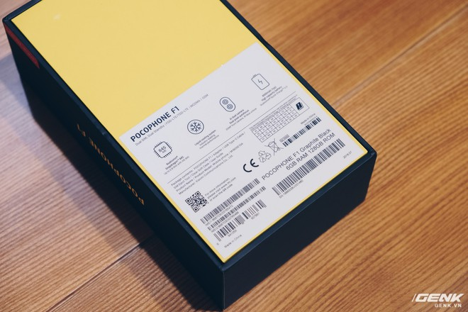 Trên tay Pocophone F1 chính hãng: 7.99 triệu có Snapdragon 845, pin 4000mAh, tai thỏ, camera kép - Ảnh 2.